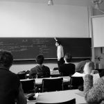 「論理的に考える/書く」は、人間の本能とは異なるので、身につけるには辛抱強い訓練が必要。