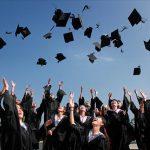 東洋経済が「就活は大学1年生から」と言ってるけど、「学生には勉強に集中させてあげてください」と心底思う。