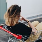 ネットでの買い物が便利になりすぎて、リアルでの買い物がヘタになった。
